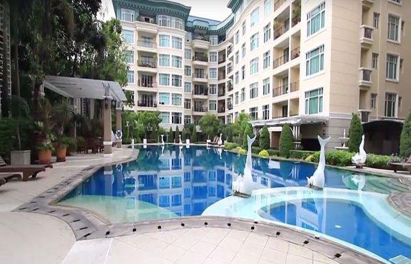 baan-nunthasiri-bangkok-condo-for-sale-swimming-pool-5